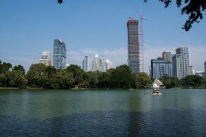 Lago del parque Lumpini en Bangkok Tailandia