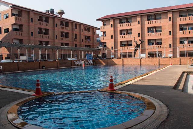 piscina Santitham Chiang Mai
