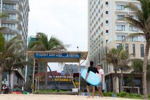 Sunny surf Da Nang
