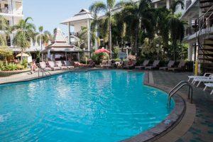 Top North Hotel Chiang Mai piscina