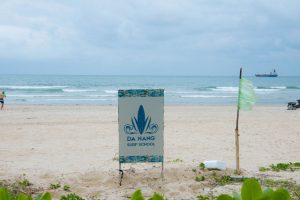 Da Nang Surf School playa